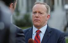 Phát ngôn viên Nhà Trắng gặp bão vì vạ miệng