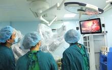Lần đầu tiên tại Việt Nam cắt u gan bằng robot