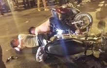 Xe máy tông nhau trên cầu vượt, 1 người chết, 2 bị thương