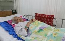 Cứu sống cụ 90 tuổi xuất huyết ồ ạt trong bụng