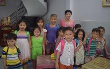 Lớp học cô giáo Biết