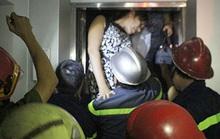 Giải cứu 5 người mắc kẹt thang máy ở trung tâm Sài Gòn