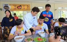 HAGL khoe bếp và thực đơn chuẩn Hàn Quốc