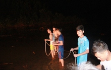 Quảng Ngãi: Lũ quét cuốn mất tích 3 học sinh