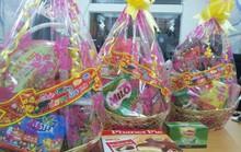 Bánh kẹo nhái xuất hiện trong giỏ quà Tết