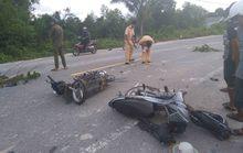 Hai xe máy đối đầu ở Phú Quốc, 3 người nguy kịch