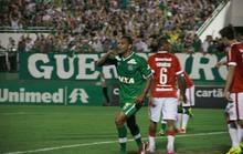 Chapecoense thắng trận đầu tiên sau thảm họa máy bay