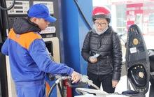 Giá xăng giảm nhỏ giọt... 80 đồng/lít