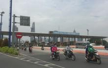 Tháo dỡ trạm thu phí qua hầm sông Sài Gòn trước Tết