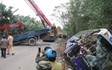 Xe khách tông xe tải đang đậu, 2 người chết