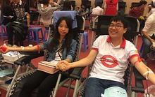Hàng chục ngàn người hiến máu cứu người bệnh