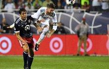 Real Madrid bị đội bóng của Kaka, Villa cầm hòa