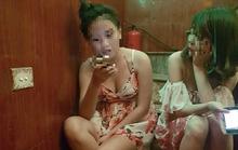 Tâm sự thật lòng của các cô gái làm 'tay vịn' ở quán hát