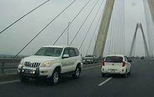 CSGT không điều khiển xe chạy ngược chiều trên cầu Nhật Tân