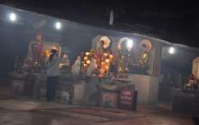 Đường xuống âm ty ở ngôi chùa trong vách đá tại Quảng Ngãi