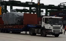 Hồng Kông trao trả 9 xe bọc thép cho Singapore
