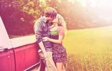 Bạn gái từ chối lời cầu hôn dù yêu nhau 8 năm