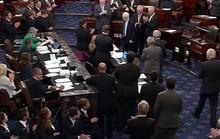 Dự luật thay Obamacare đạt kỳ tích, tổng thống Mỹ cảm ơn ông McCain