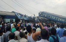 Tàu hỏa chạy tới đất thiêng trật đường ray, 95 người thương vong