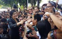 Bà Yingluck đổ bệnh nặng, tòa án Thái Lan phát lệnh bắt