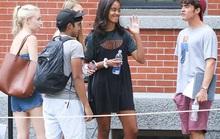 Ái nữ nhà Obama khó chịu vì bị chụp hình