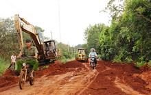 Một nông dân bỏ ra hơn 200 triệu đồng làm đường
