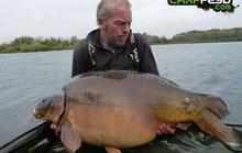 Câu được cá chép lớn nhất nước Anh bằng chocolate trắng