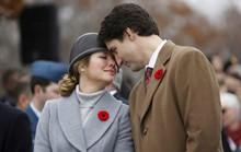 Chuyện tình ngọt ngào của Thủ tướng Canada và vợ