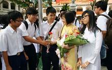 Ngày 20-11: Hãy tặng hoa, đừng đưa phong bì!
