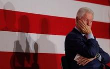 Ông Clinton lại bị tố cáo bê bối tình dục