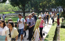 Vì sao khách quốc tế đến Việt Nam tăng kỷ lục