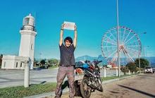 Chặng đường 20.000 km đi xe máy đến Paris của chàng trai Việt