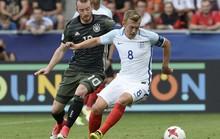 Giấu bí kíp trong vớ, thủ môn U21 Đức loại tuyển Anh ở loạt đá penalty