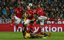 Arsenal đại bại, Bayern Munich đặt chân vào tứ kết