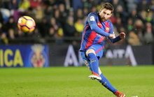 Chia điểm ở El Madrigal, Barcelona mất ngôi nhì bảng