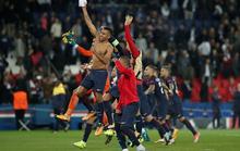 Neymar và Cavani lập công, PSG đè bẹp hùm xám Bayern