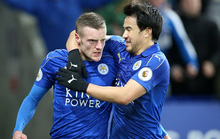 Vardy lập cú đúp, Leicester quật ngã Liverpool