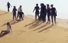 Ca sĩ xin lỗi vì clip gợi nhớ cảnh IS hành quyết