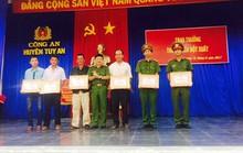 4 nông dân được thưởng đột xuất vì vây bắt cướp