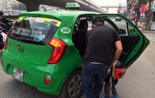 Taxi truyền thống và Uber, Grab 'chê' khách ngày Tết