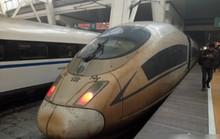 Chạy từ Thượng Hải tới Bắc Kinh, tàu cao tốc từ trắng thành xám xịt