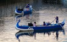 Uổng cho một tour trên bến dưới thuyền!
