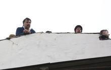 Tình báo Ukraine trèo lên mái nhà bắt cựu tổng thống Georgia
