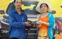 Nhân viên siêu thị trả lại 16 lượng vàng cho người đánh rơi