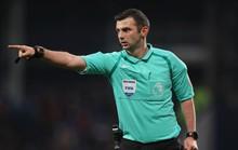 Trọng tài khắc tinh của M.U cầm còi trận derby Manchester