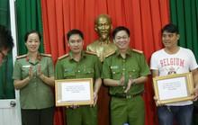 Hiệp sĩ được thưởng nóng nhờ  bắt Việt kiều trộm ô tô