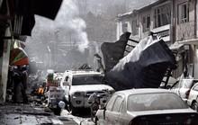 Taliban đánh bom bằng xe cứu thương, 214 người thương vong