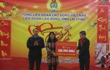 Chủ tịch Tổng LĐLĐ Việt Nam tặng quà Tết cho thầy cô giáo vùng biên giới
