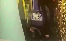 Nhân viên phục vụ bị thang máy kẹp chết