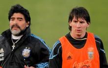 """Maradona: Hãy thôi """"thần thánh hóa"""" Messi"""